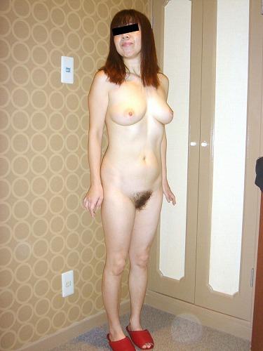 Gカップ巨乳の国宝級美乳の人妻がHなサービスしてくれる画像でシコシコしましょう[13枚]