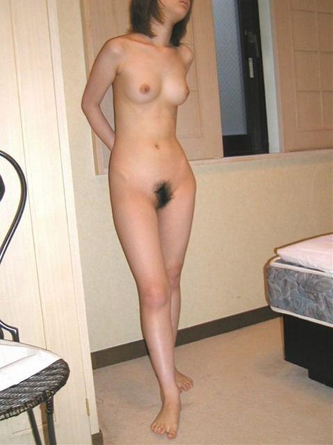 24歳くらいの不倫で密会中の人妻がHな事してる画像がたまらんエロさ[15枚]