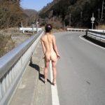 結構可愛い奥様が路上で変態露出してる画像、どれが一番抜ける?[24枚]