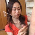 23歳くらいの人妻が男を見つめながら手コキしてる画像祭はココです[15枚]