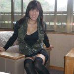 30代のオバサン熟女が無防備にもパンチラしちゃった画像が過激すぎww[15枚]