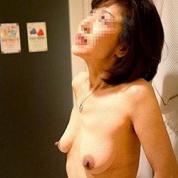 昭和世代のよくいる普通のオバサン熟女がHになってる画像が最高にアツい[15枚]