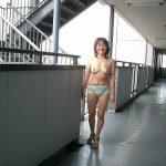 結構可愛い団地妻が路上で変態露出してる画像、どれが一番抜ける?[15枚]