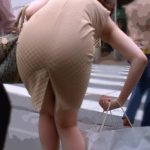 三十路目前の団地妻が着衣のままでHなお尻を見せてくれる画像の頂点を決めようジャマイカ[12枚]