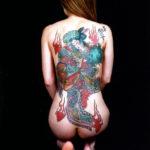 刺青入りの極道女房が卑猥な感じになった画像下さい[54枚]