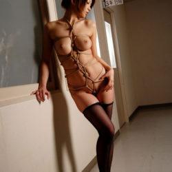 結構可愛い女教師がエロい体見せてくれる画像をじっくり楽しむスレ[32枚]