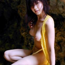 国宝級美乳の美人さんが男を誘惑してる画像見ようぜ[30枚]