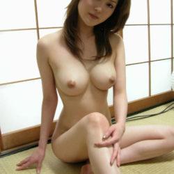 柔らかそうな乳のおもわず揉みたい美乳の美女がふしだらな姿になった画像のエロさは最強[45枚]