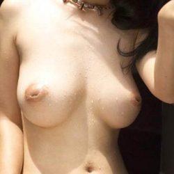 お姉さんのへこんだ乳首画像をじっくり楽しむスレ[31枚]