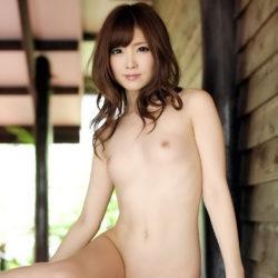 控え目おっぱいぷにぷにオッパイの美少女の乳首画像集めてみた[37枚]