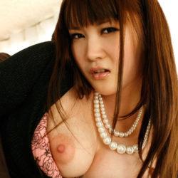 Fカップ巨乳のパフパフ美乳の美人さんがSEXYな姿になった画像で、まったりシコシコ[40枚]