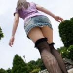網タイツギャルがエロい美脚を見せてくれる画像でシコろうか[37枚]