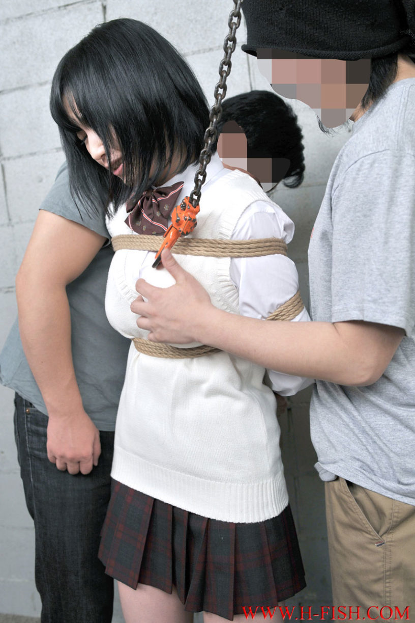 セーラー服女子高生 緊縛 エッチなJKコス美女が制服姿で緊縛されてSM調教されてる画像の素晴らしさを実感するスレ[22枚]