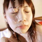 女の子が顔に精液かけられてる画像を今晩のオカズにww[30枚]