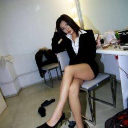 いい感じの女の子がミニスカストッキングでエロい脚のラインを強調してる画像のお気入りをうp[33枚]