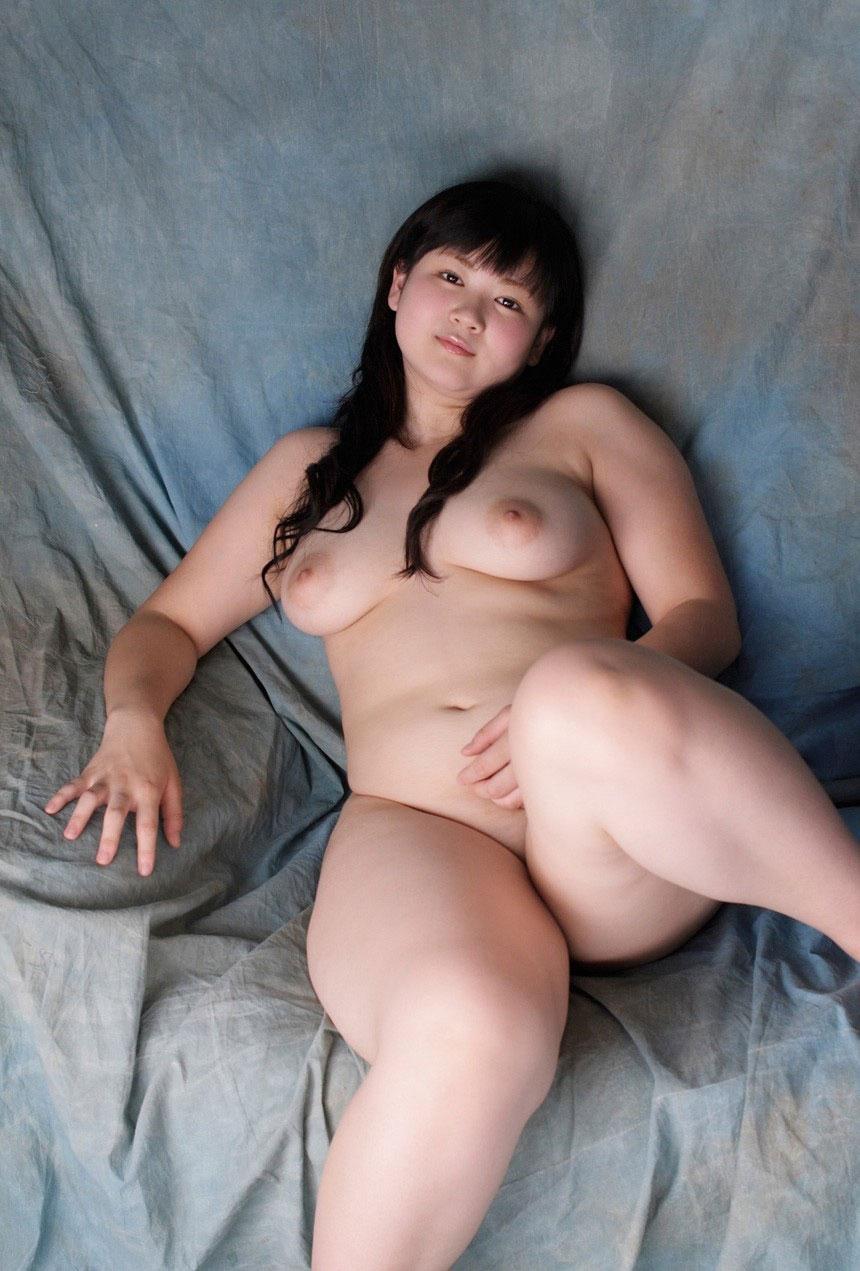 メガポチャな美女がエロい体で誘惑してくる画像が即ヌキ確実ww[44枚]
