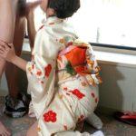 エッチ好きそうなお姉さんが浴衣和服・着物でHなトコ出してる画像で、特にエロいの集めました[38枚]