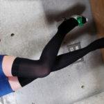 色気のあるお姉さんが着衣のままニーソで淫乱になった画像がアツい![43枚]