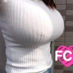 絶品巨乳の美女がセーターとかハイネックでエッチな事してる画像から目が離せない[46枚]