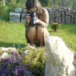 エッチ好きそうなカメラガールがパンチラしちゃった画像で今からオナニーしてくる[20枚]