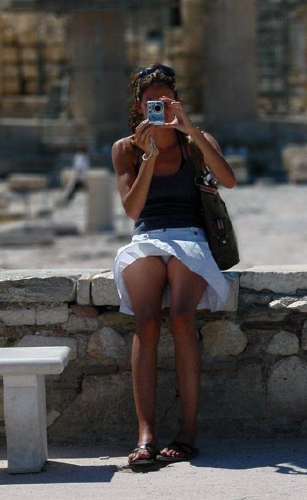 デジイチ娘がパンティ見えちゃってる画像をじっくり楽しむスレ[20枚]