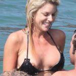 外国人が海や砂浜で胸チラしてる画像祭はココです[26枚]