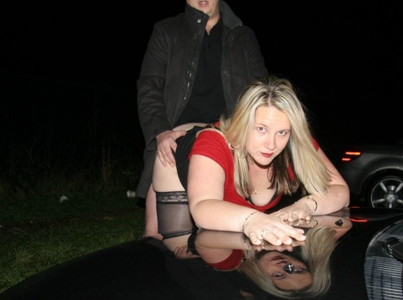 外国人が青姦でハメてる画像で、まったりシコシコ[19枚]