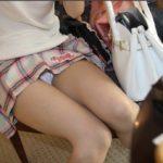 色気のある美少女が自分からスカートたくし上げてパンティ見せちゃう画像で、特にエロいの集めました[32枚]