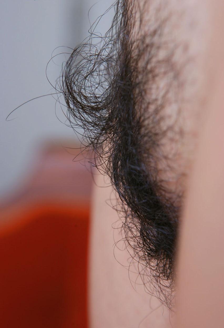 陰毛濃いめの美女がエロい顔してる画像の頂点を決めようジャマイカ[28枚]