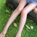 細身で綺麗なお姉さんがエロ脚と太ももを見せてくれる画像、一見の価値あり[30枚]