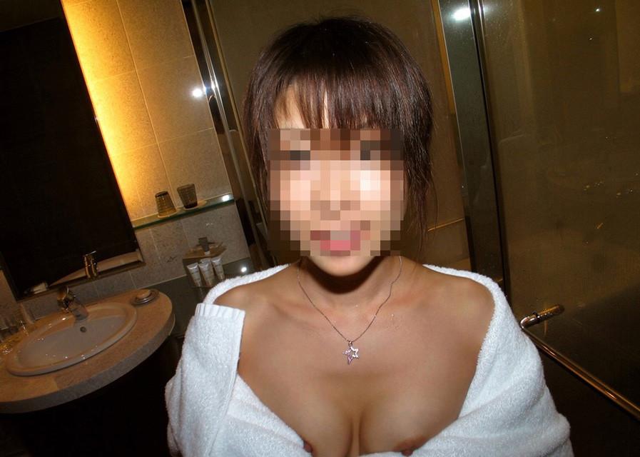 バスタオル巻いたお姉さんがエッチする前とか後に撮られた画像下さい[30枚]