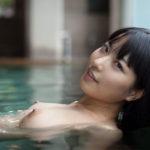 結構可愛いギャルが露天風呂でHな感じになってる画像のエロさは最強[42枚]