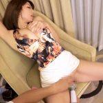 【画像+動画】29歳 美人で巨乳の服脱ぎかけの団地妻がミニスカートで自分から騎乗位でハメまくる画像まとめ[25枚]