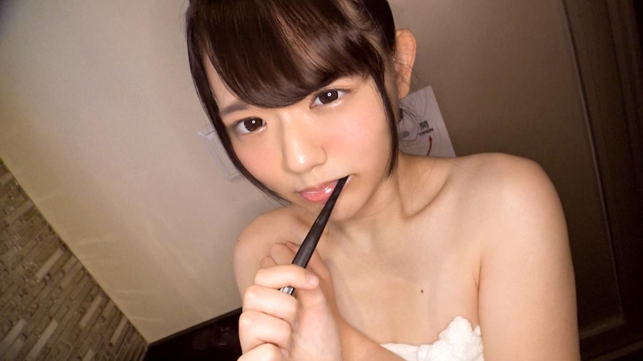 【画像+動画】美乳とか貧乳ゆるロリ顔のエッチ盛り18歳のツルツルマンコのパンティずらした美少女がバスルームでエッチな事してくれる画像祭はココです[25枚]