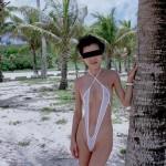 アラフォーのオバサン熟女が野外でモロ露出してる画像で、まったりシコシコ[15枚]