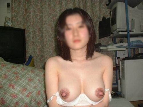 40代の熟女のオッパイ画像をどうぞ[15枚]
